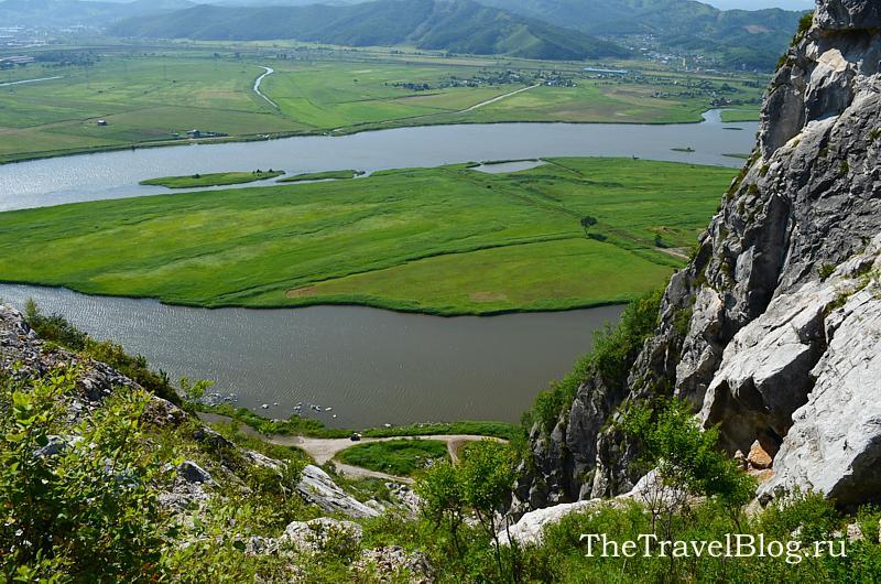 внизу, у реки Сучан мы любим делать шашлык)