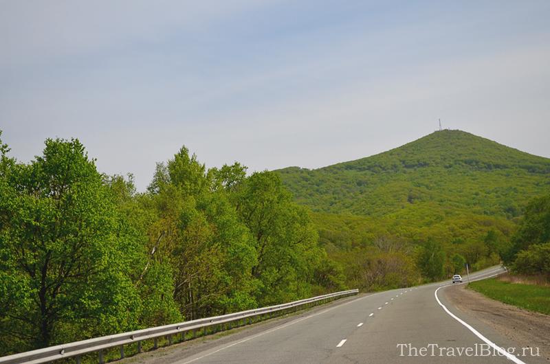 дорога и гора Арсения