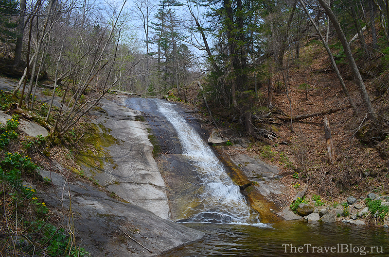 вид на Макаровский водопад