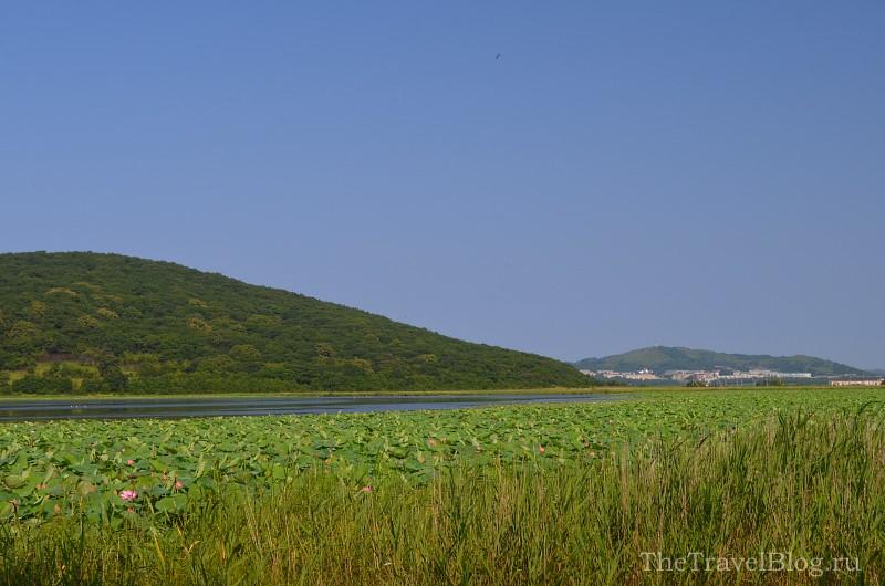 озеро и гора