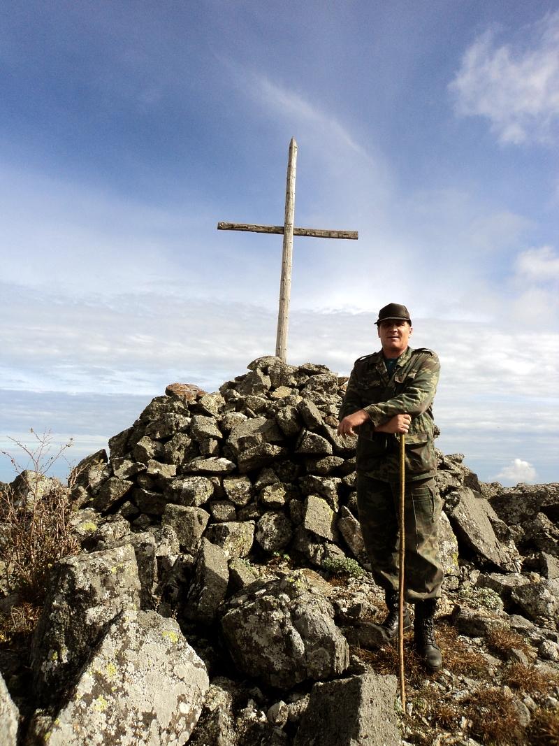 крест на вершине горы Ольховой