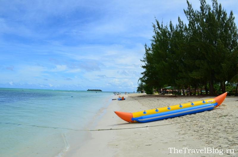 пляж между Hyatt Regency  и Fiesta Resort & Spa