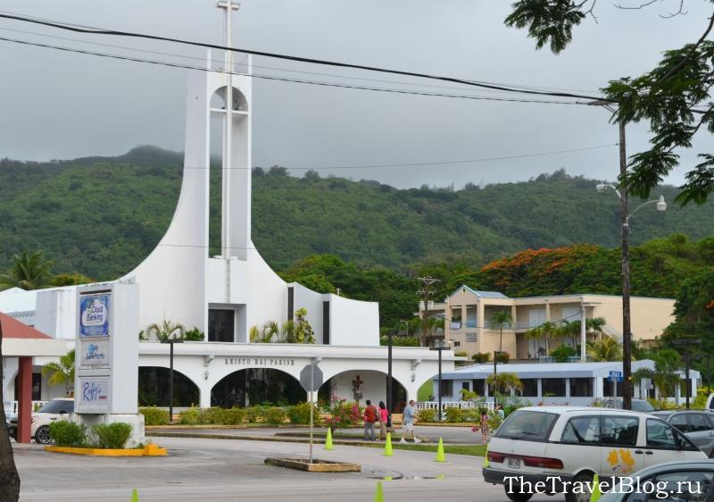 Главный ориентир - белая церковь