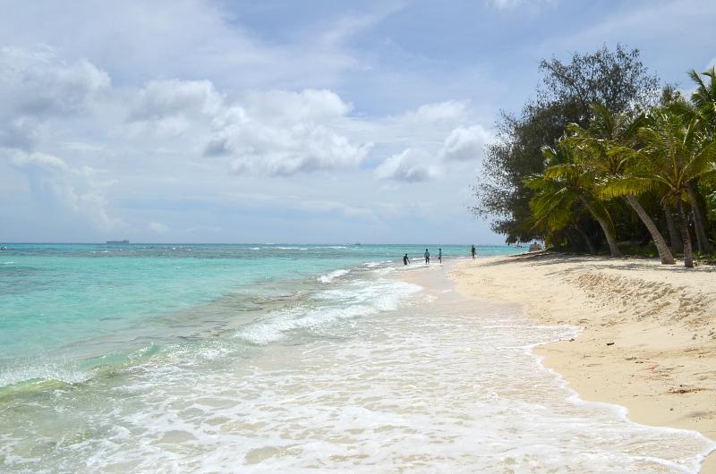 """пляж за бетонной """"тумбой"""", на котором были мы"""
