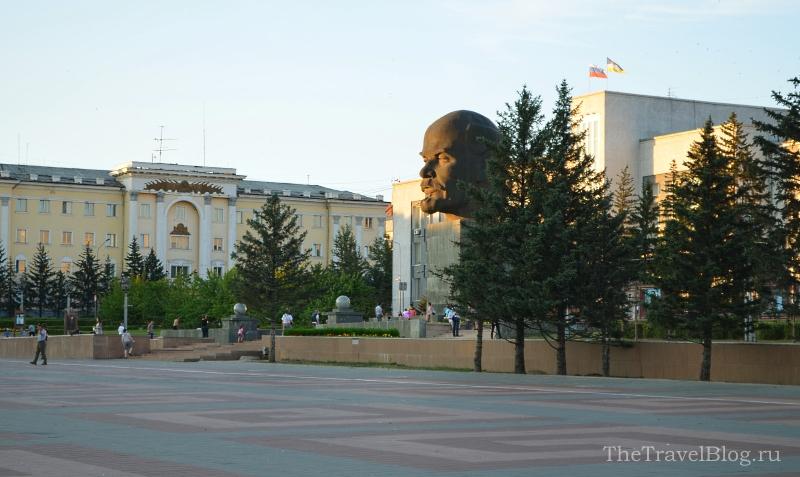 Большая голова Ленина